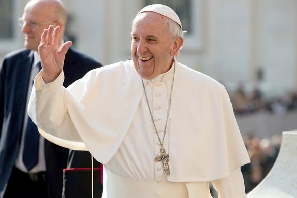 Ferenc pápa: Jó nézni Messit, de ő nem isten