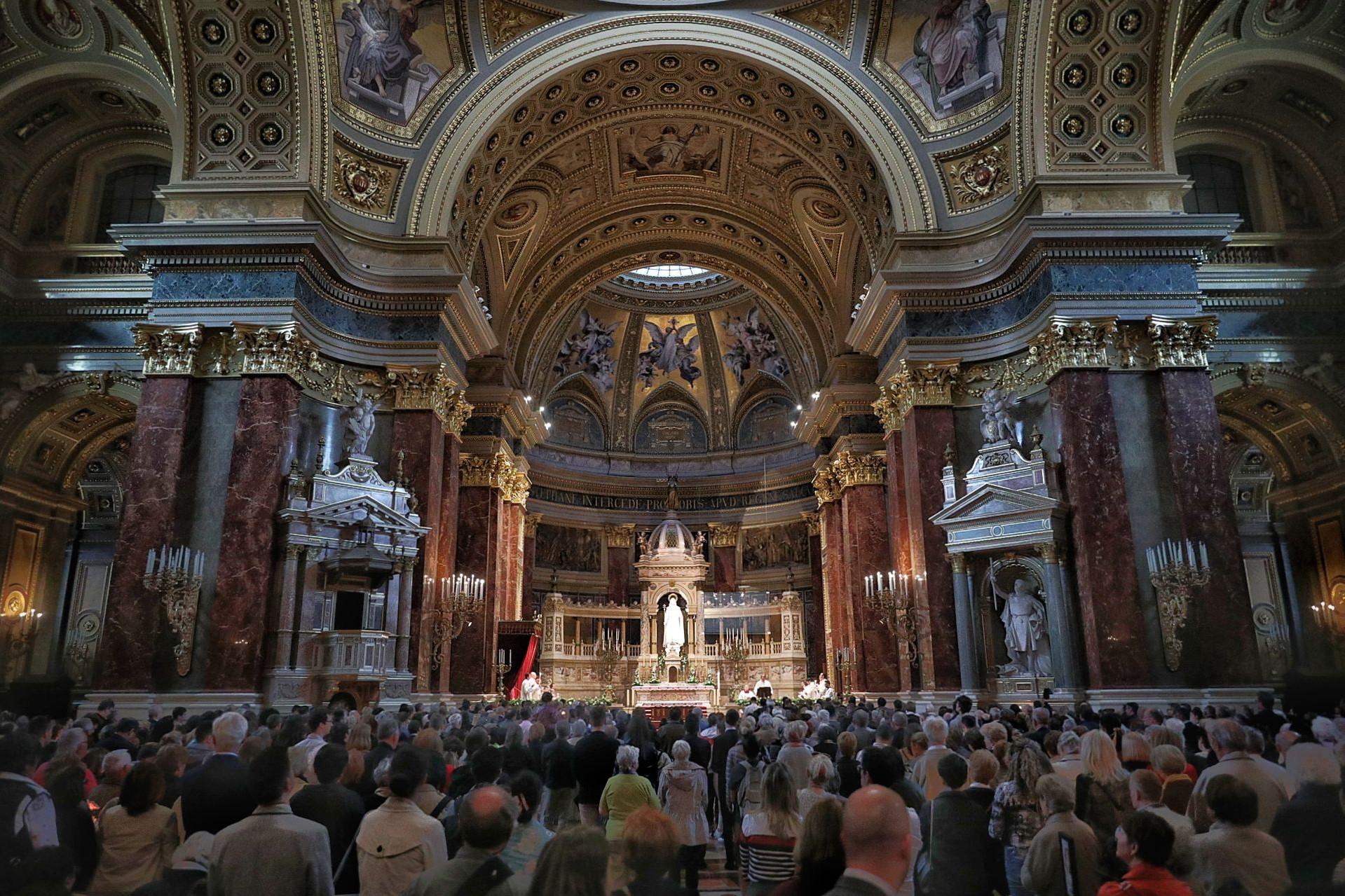 Húsvéti vigília a Bazilikában