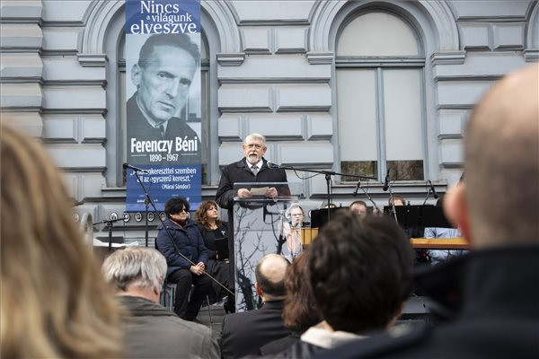 Kásler Miklós, az emberi erőforrások minisztere beszédet mond a holokauszt magyarországi áldozatainak emléknapja alkalmából