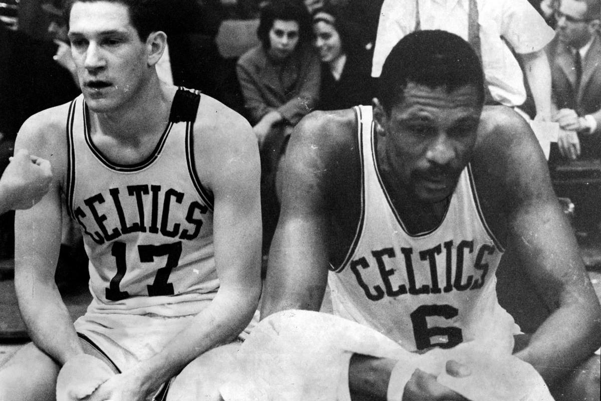 Havlicek és Bill Russell a Celtics ikonikus csapatának két kulcsfigurája