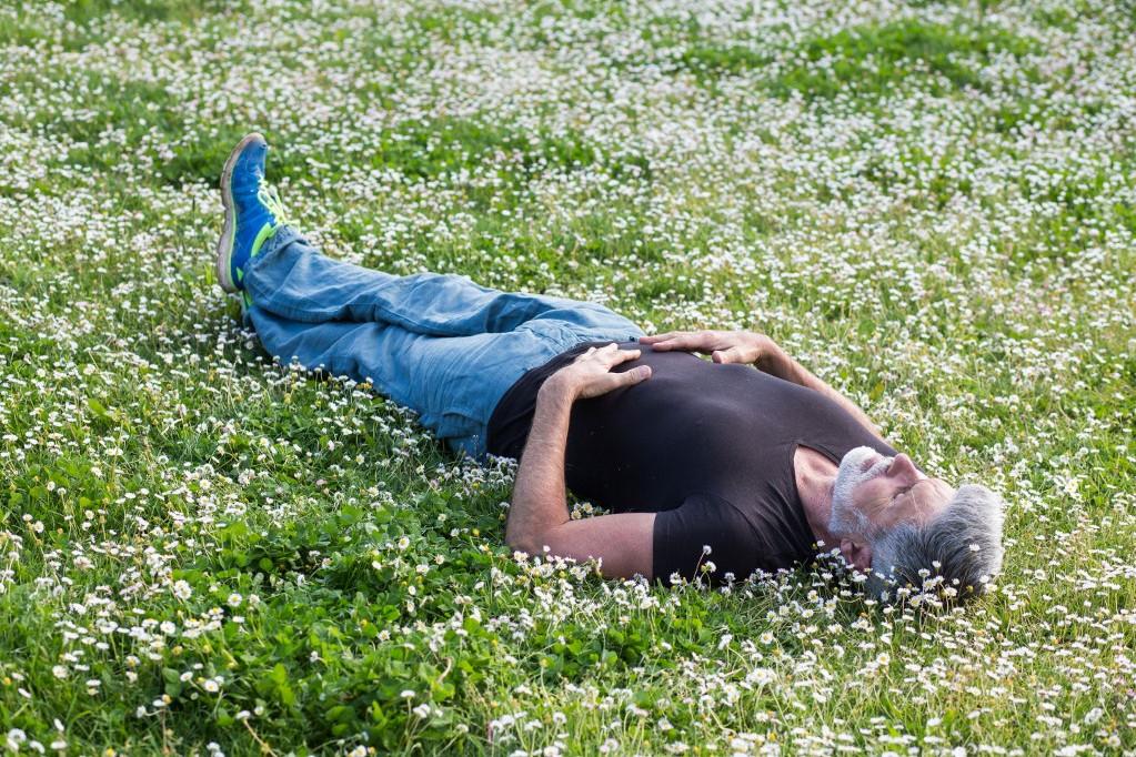 A relaxálással eljuthatunk az önhipnózisig, abból pedig a pihentető alvásba.