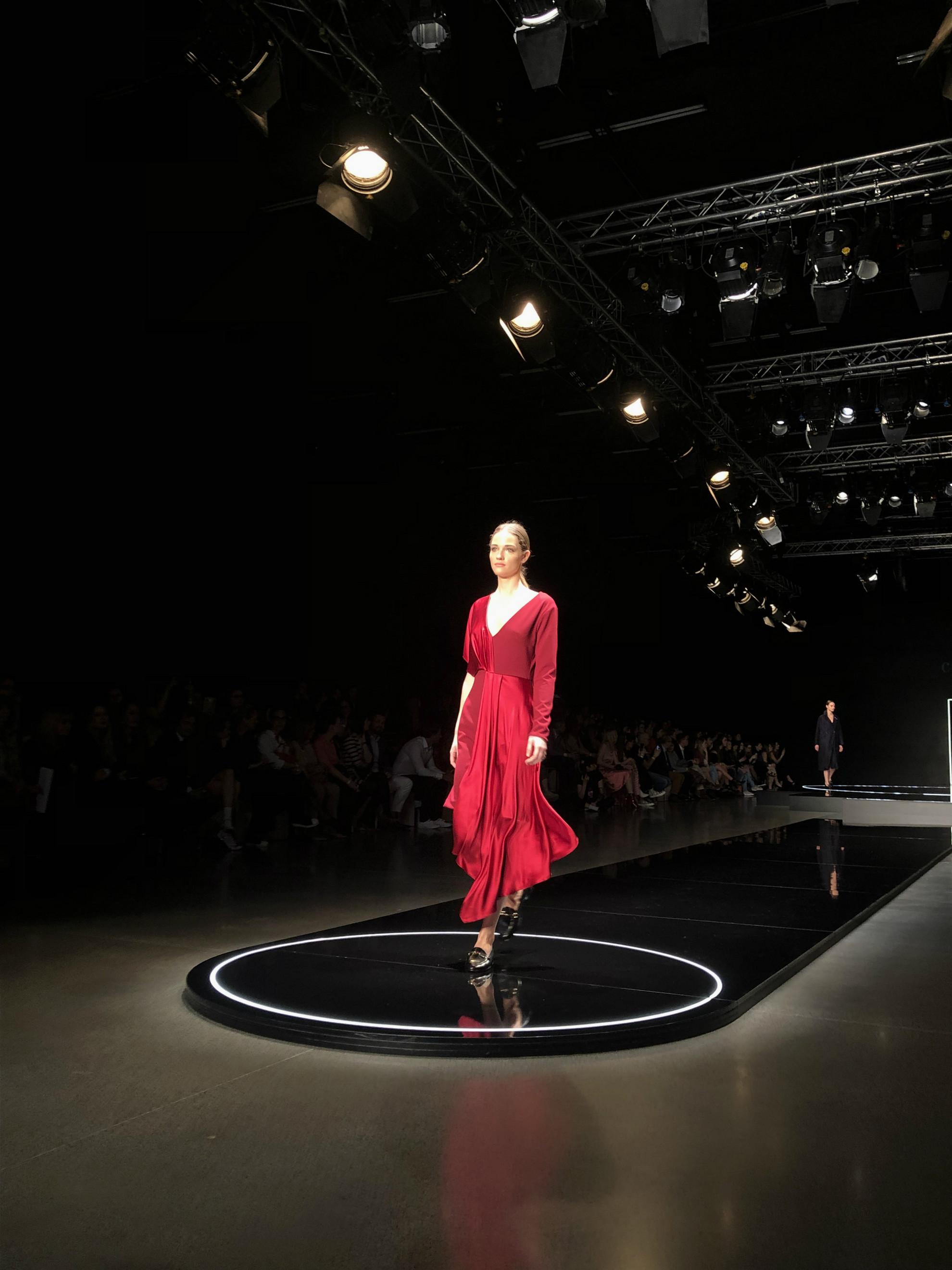 Modell a Celeni divatbemutatóján a 2019-es Budapest Central International Fashion Weeken