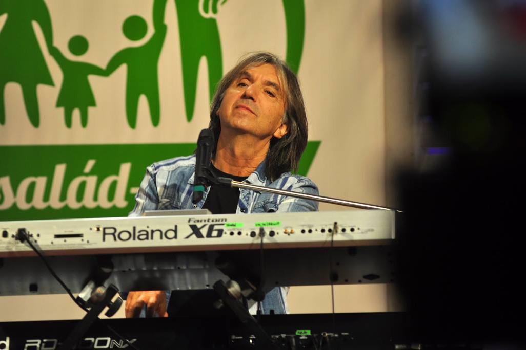 Lerch István csodálatos dalokkal ajándékozta meg rajongóit, akik visszavárják a színpadra.