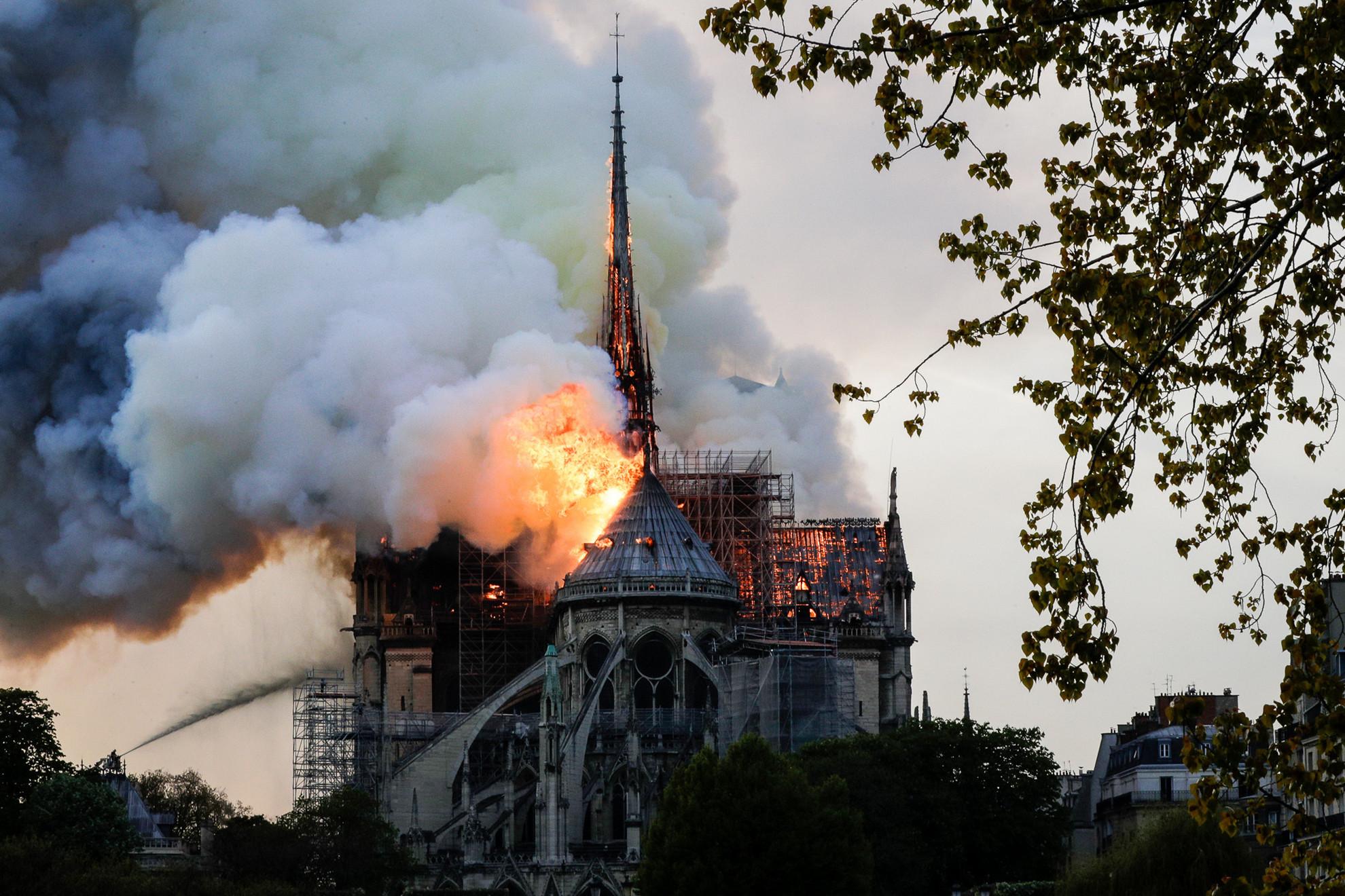 A tetőszerkezet teljes egészében leégett