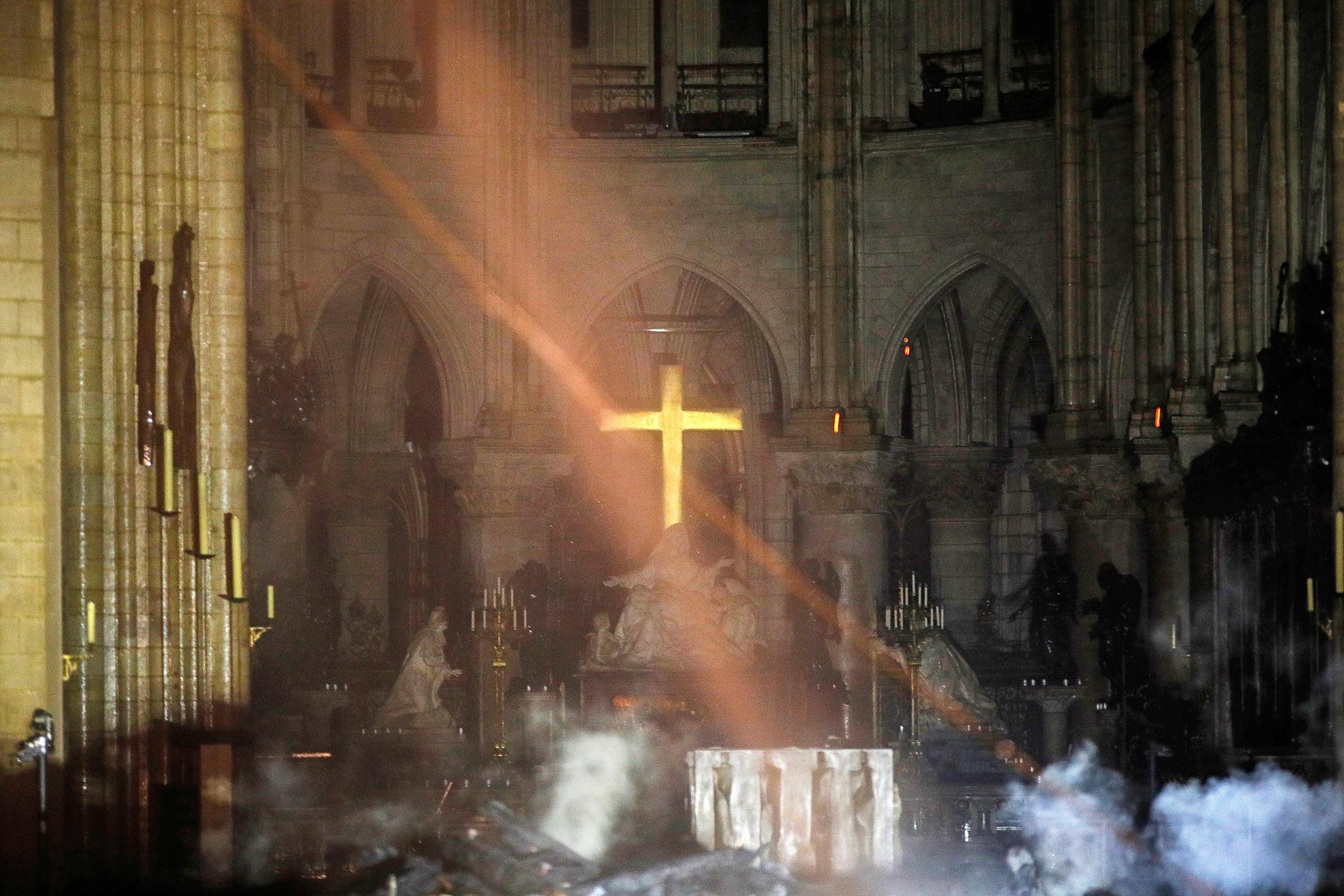 A katedrális újjáépítésére hazánkból is érkezik segítség