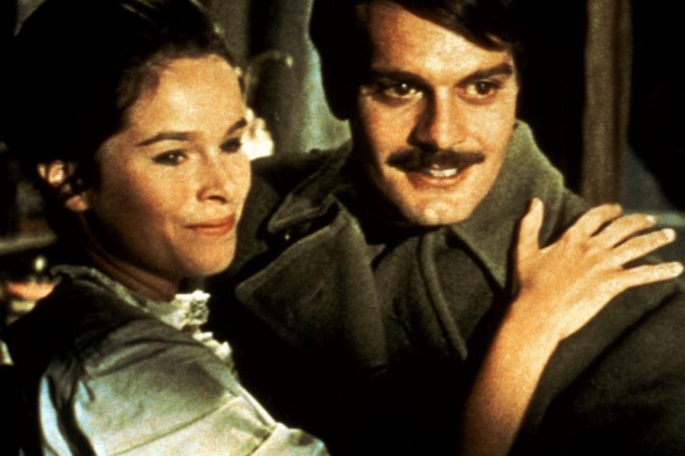 Omar Sharif partnernője Geraldine Chaplin volt a Doktor Zsivágóban