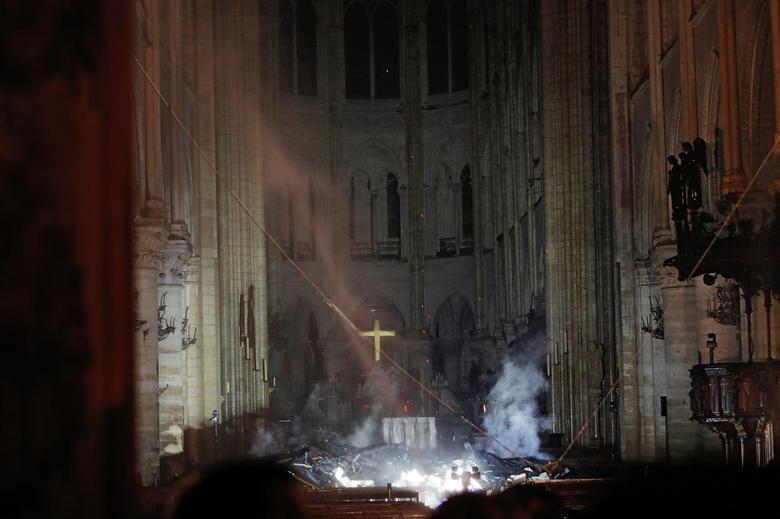 A Notre-Dame belseje