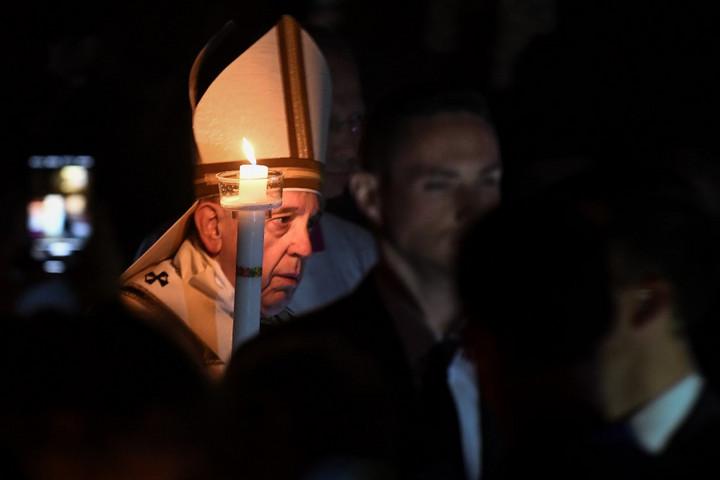 A félelem legyőzésére hívott fel a pápa a vigilián