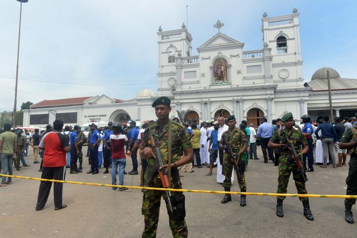 Merényletsorozat Srí Lankán, katolikus templomokban és szállodákban robbantottak