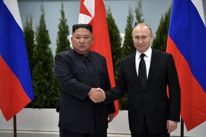 Kim Dzsong Un Putyin segítségét kérte a nukleáris tárgyalások előmozdításához