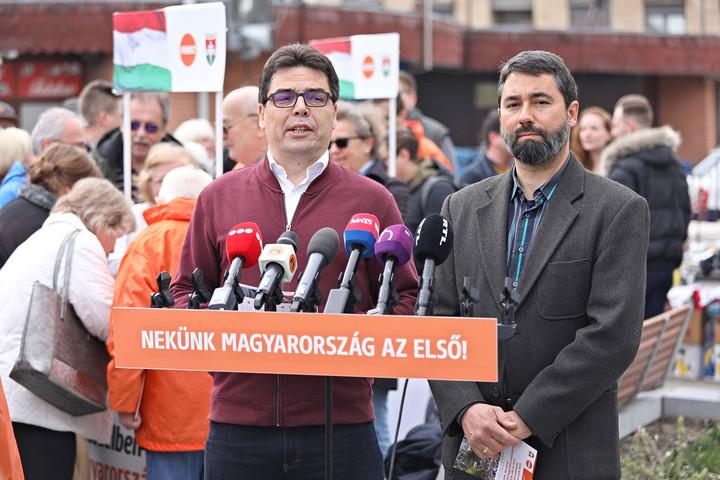 Elsőként a Fidesz-KDNP adta le az ajánlásokat