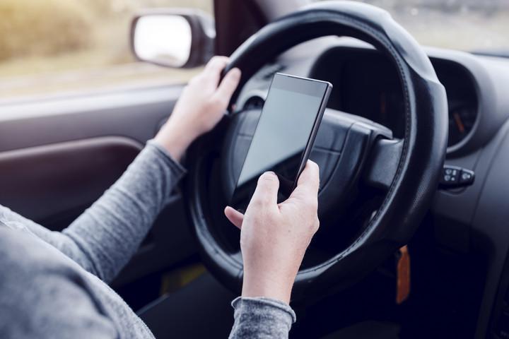 Felvilágosítókampány indul a vezetés közbeni mobilozás visszaszorításáért