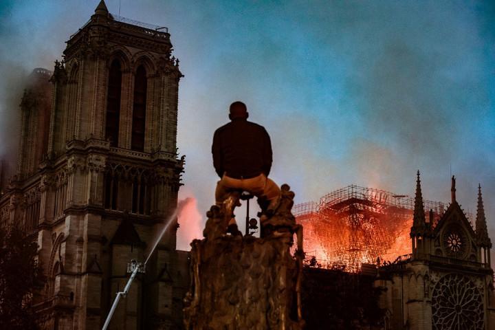 A francia divatvilág milliárdokat ajánlott fel a Notre-Dame helyreállítására