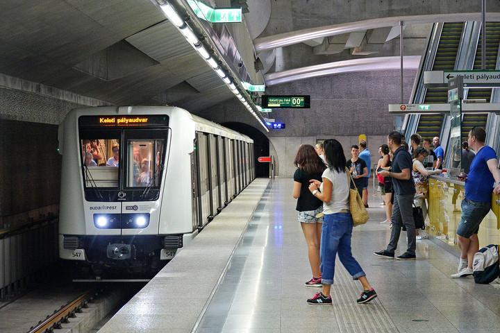 Hétvégétől éjjel fél kettőig jár a 2-es és a 4-es metró
