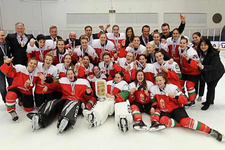 A világ legjobbjai közé jutottak a magyar női jégkorongozók