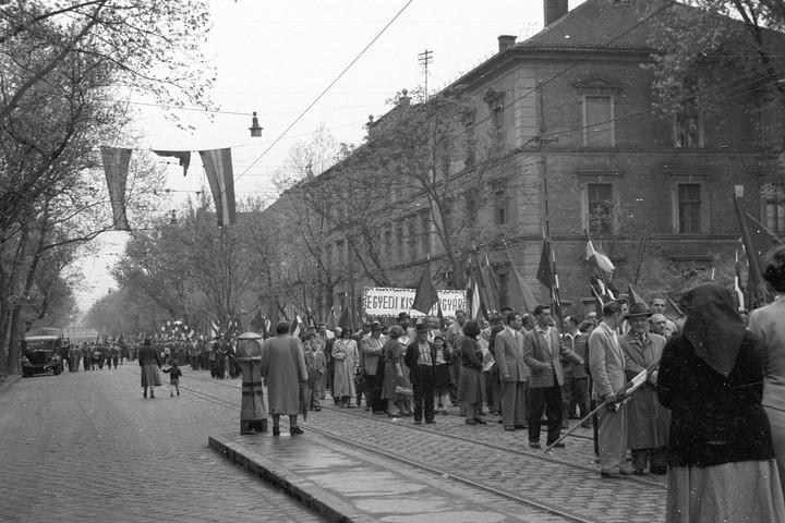 A beletörődés ünnepe: 1957. május elseje