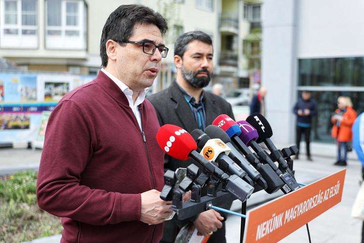 Elkezdte gyűjteni az aláírásokat a Fidesz az EP-választásra