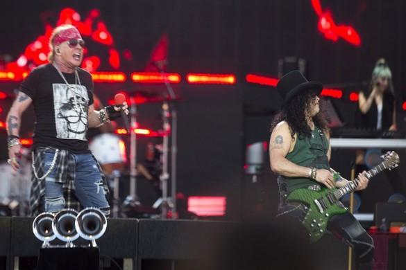 Októbertől új albumán dolgozik a Guns N' Roses