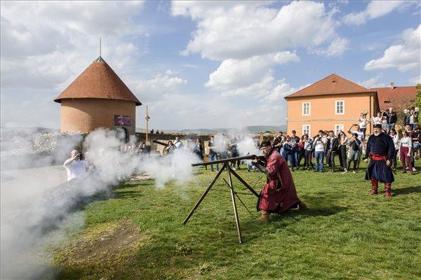 Újabb kétmilliárd forintból folytatódik az Egri vár és erődrendszer turisztikai célú fejlesztése