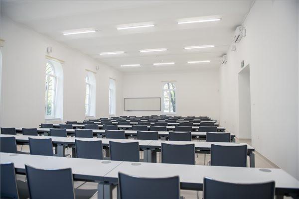 ITM: A felsőoktatási stratégiában nem szerepelnek intézményi összevonások, bezárások