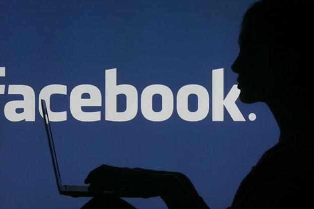 Trump a Facebookot bírálja a kitiltások miatt