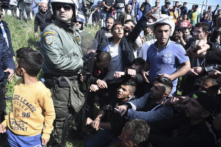 Migrációkutató Intézet:  A tömeges beáramlás mérhetetlen társadalmi, gazdasági és egyéb károkat okozott Görögországban