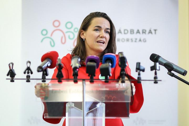Novák Katalin: Több unoka után több nagyszülői gyed is igénybe vehető