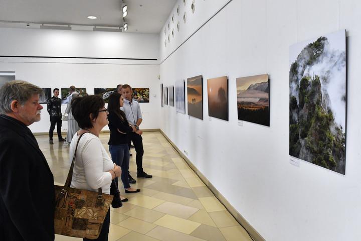 Álmodó vizek címmel nyílt fotókiállítás a Természettudományi Múzeumban