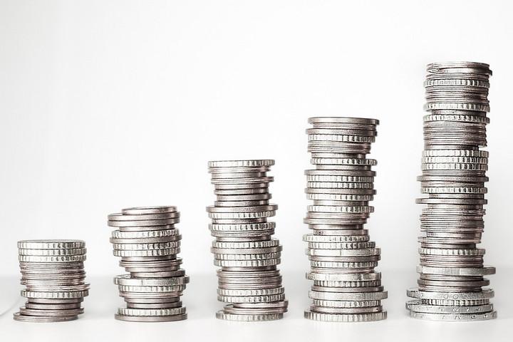 Júliustól 2 százalékkal csökkenhet a szociális hozzájárulási adó