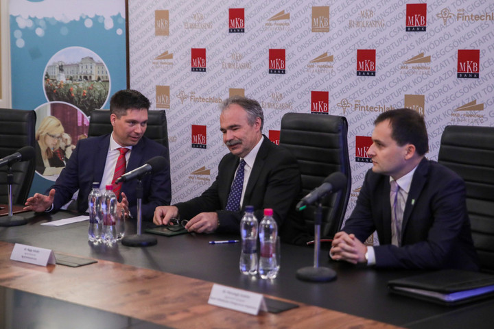 Együttműködési megállapodást kötött a Szent István Egyetem és az MKB Bank