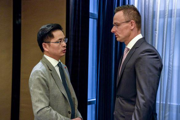 Szijjártó: Kína selyemút-koncepciója a légi közlekedésben is megjelent