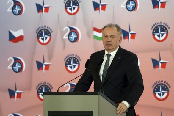 Megvétózta a himnusztörvényt a szlovák államfő
