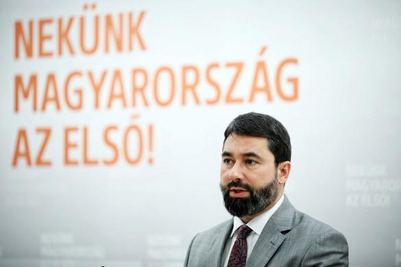 Már 1 millió 150 ezren támogatják aláírásukkal Orbán Viktor hétpontos programját