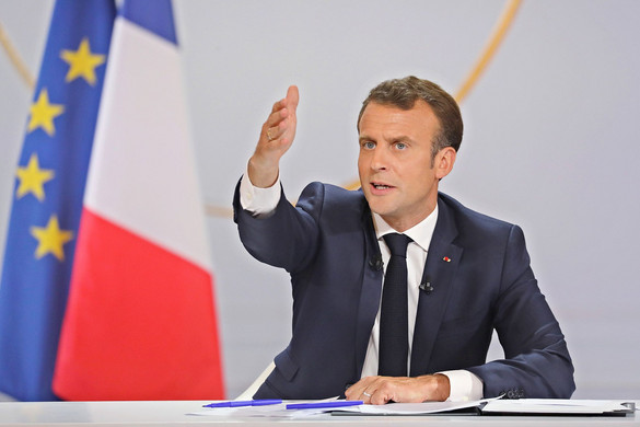 Macront támogató kiáltványt tettek közzé francia jobboldali polgármesterek