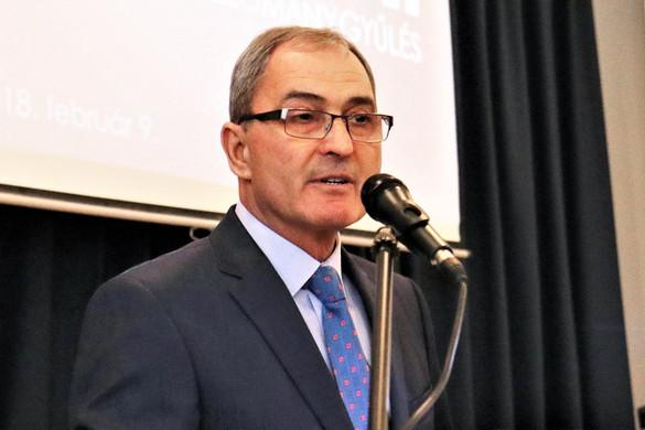 Hubay György: Veres Pál bukott MSZP-s és DK-s politikusok foglya lett