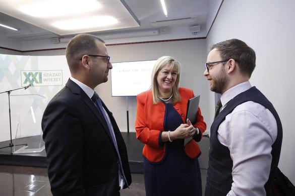 Schmidt Mária: A mai liberalizmus a gazdaságot a politika fölé helyezi