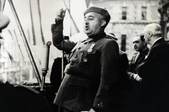 Áthelyezik Franco tábornok sírját