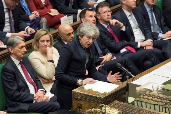 Június elején az alsóház elé terjeszti a brit kormány a Brexit-törvénytervezetet