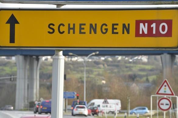 Belső határainak lezárása felé halad az EU