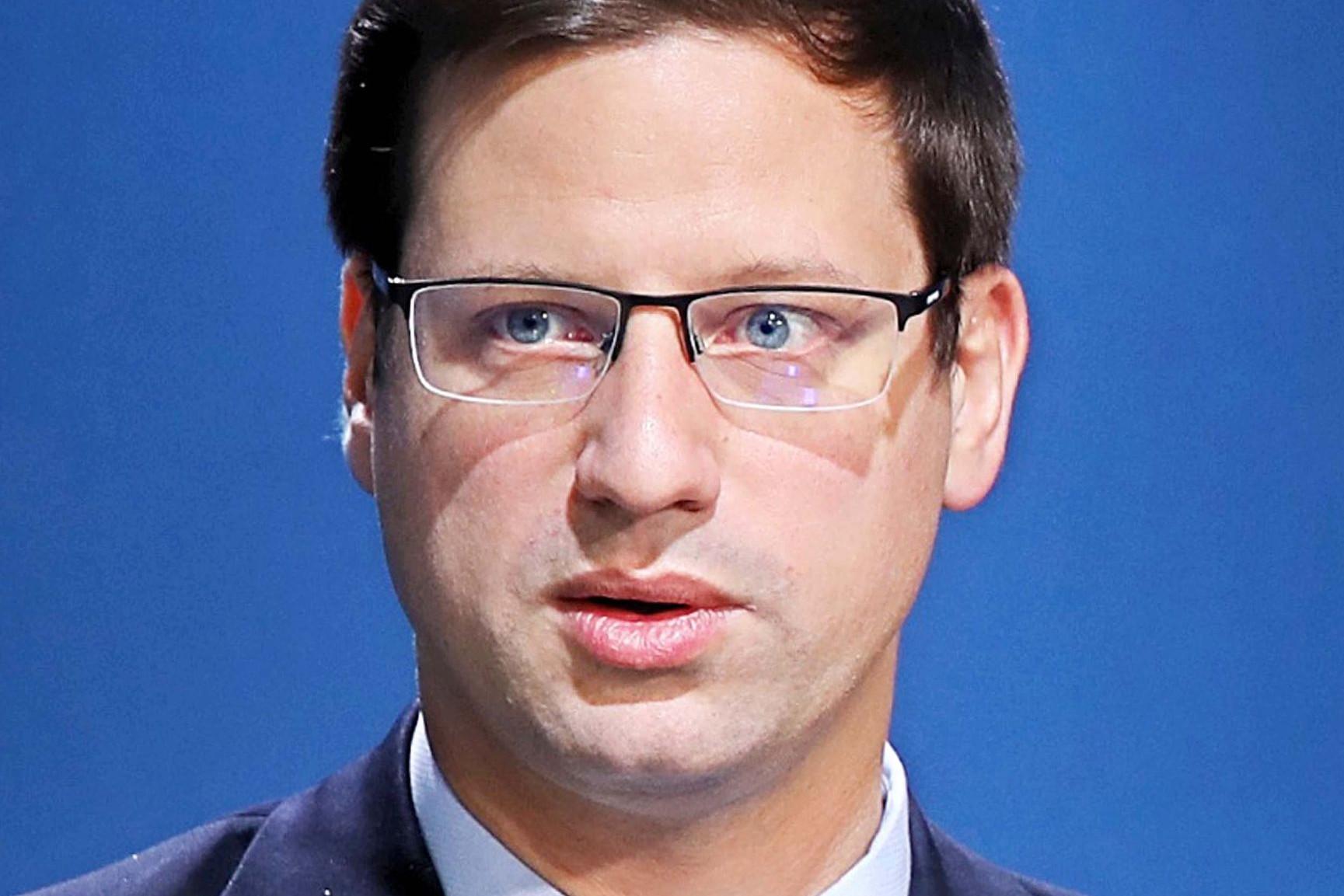 Gulyás Gergely: Weber bizottsági elnökségét továbbra sem ...