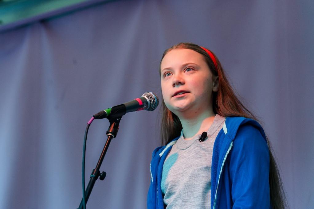 Greta Thunberg egy londoni konferencián beszél a klímaváltozásról
