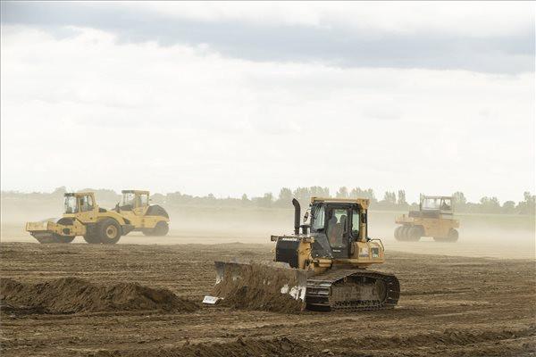 Javában folyik a debreceni BMW-gyár területének előkészítése