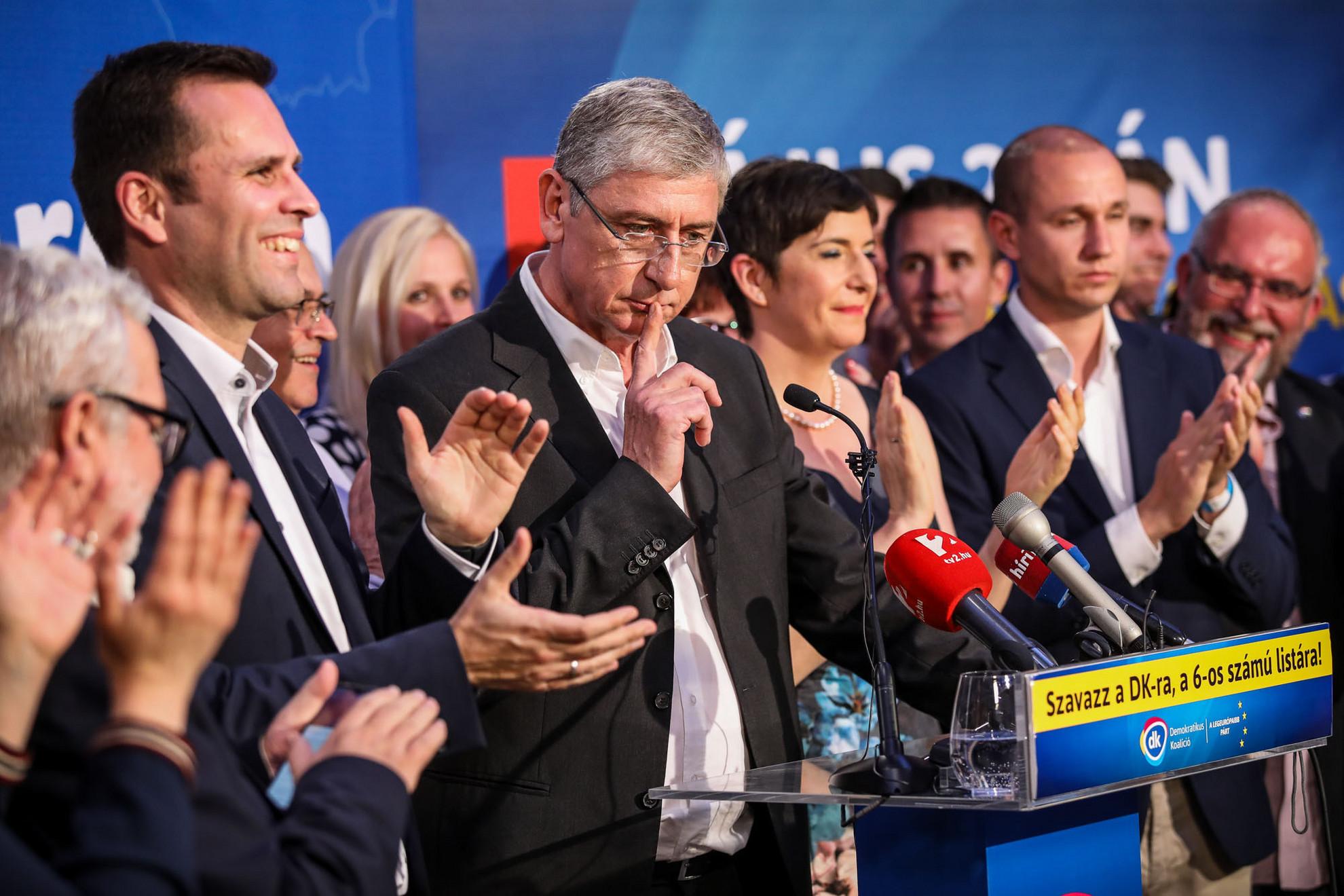 Elgondolkodtató adatok. Négy képviselői hely a több mint hétszáz fős európai parlamentben vajon mire lesz elegenedő