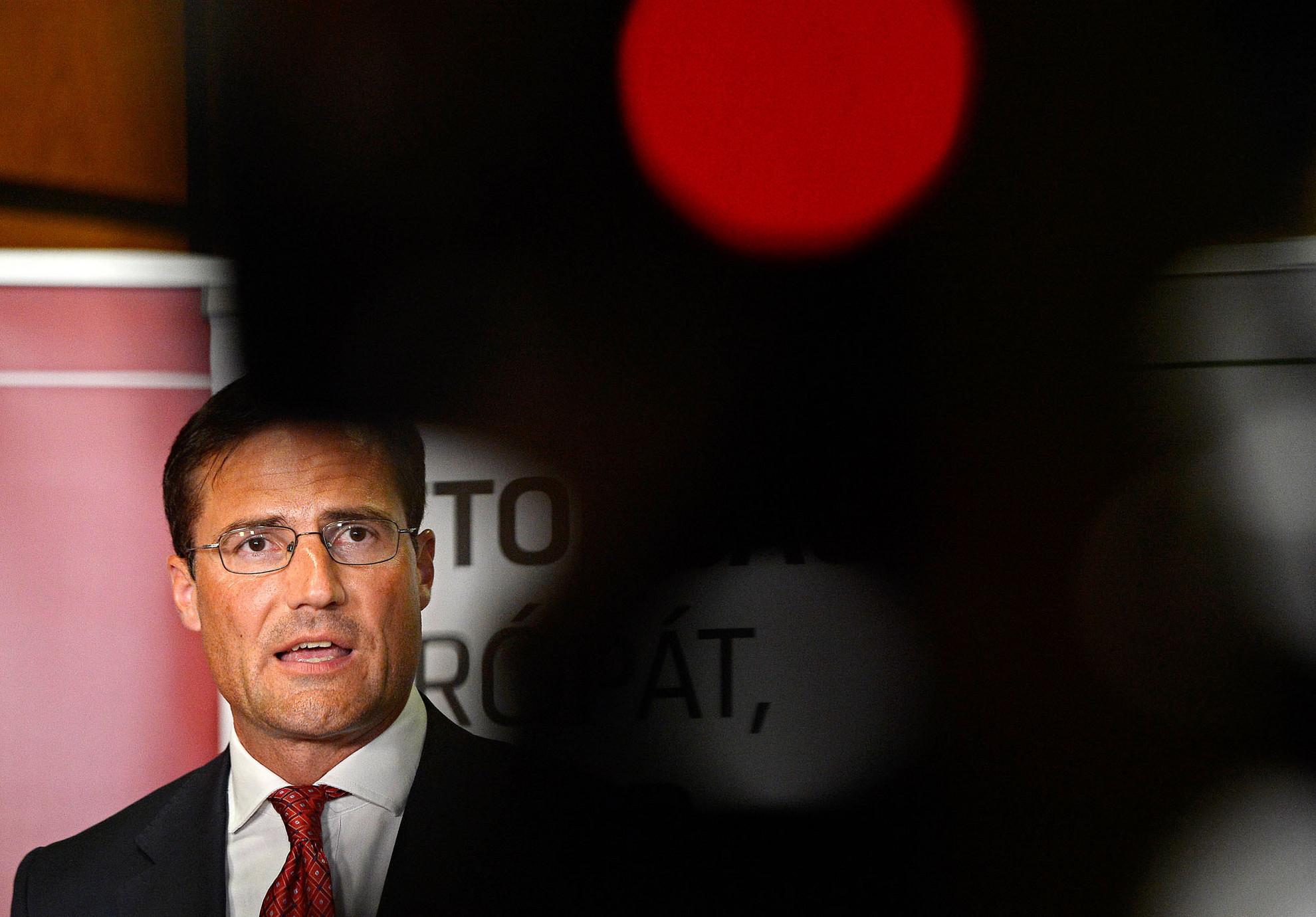 """Indokolatlan optimizmus. Gyöngyösi Márton elnökhelyettes szerint a Jobbik olyan politikai nyomás alatt juttatott ki mindössze egy képviselőt Brüsszelbe, amit """"egyetlen másik párt sem élt volna túl"""""""