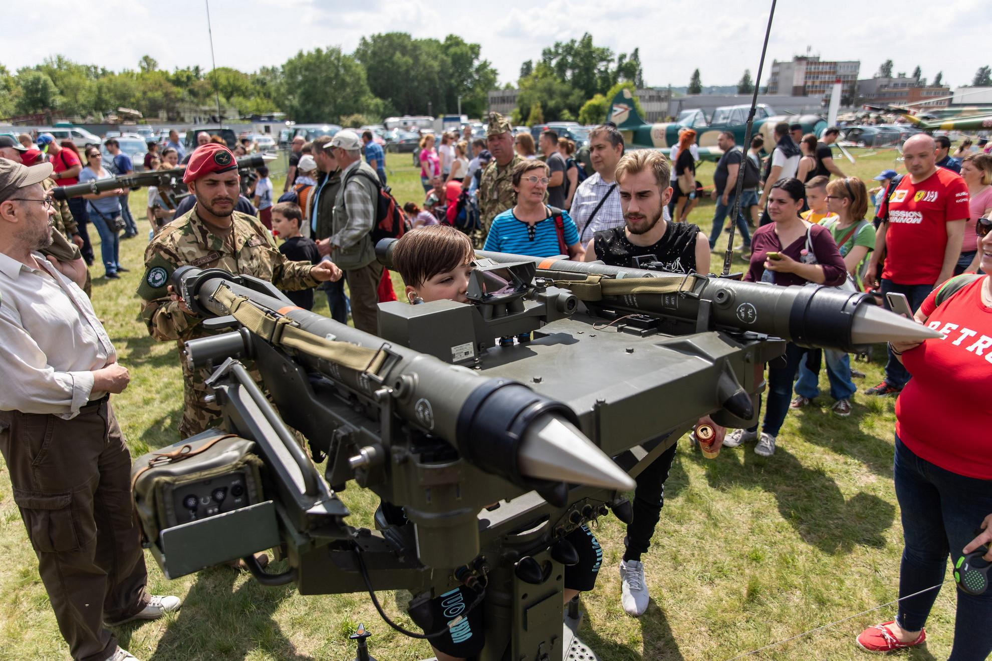 Összesen 70 ezren voltak kíváncsiak a Honvédség jelenlegi és jövőbeni eszközeire