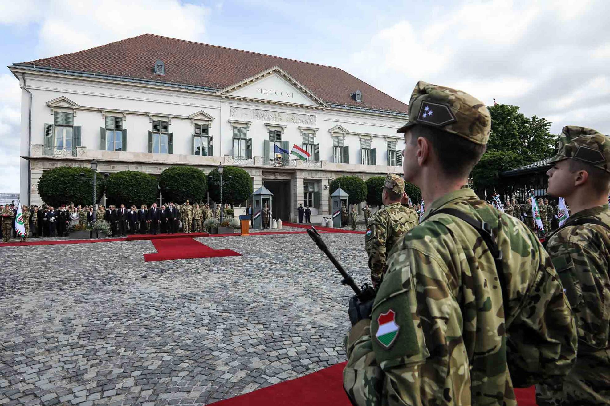 """""""A honvédelem napja annak a tiszta, egyszerű és világos akaratnak az ünnepe, hogy Magyarország legyen erős, független és szabad"""""""