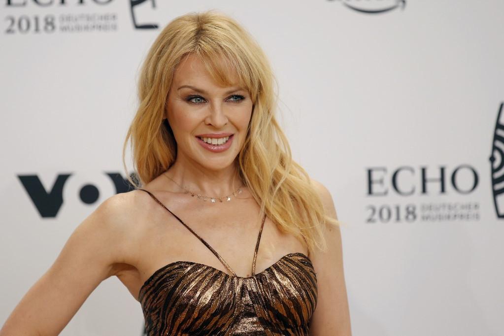 Kylie Minogue-nál pontosan 14 éve, 36 éves korában diagnosztizáltak mellrákot. Az ausztrál énekesnő esete jó bizonyíték arra, hogy az idejében kapott kezelés életmentő