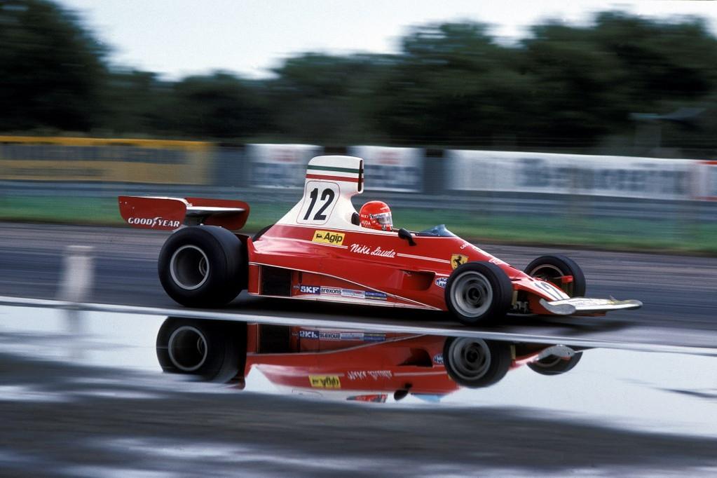 Lauda háromszor lett világbajnok, ebből kétszer a Ferrari volánja mögött nyerte meg a pontvadászatot