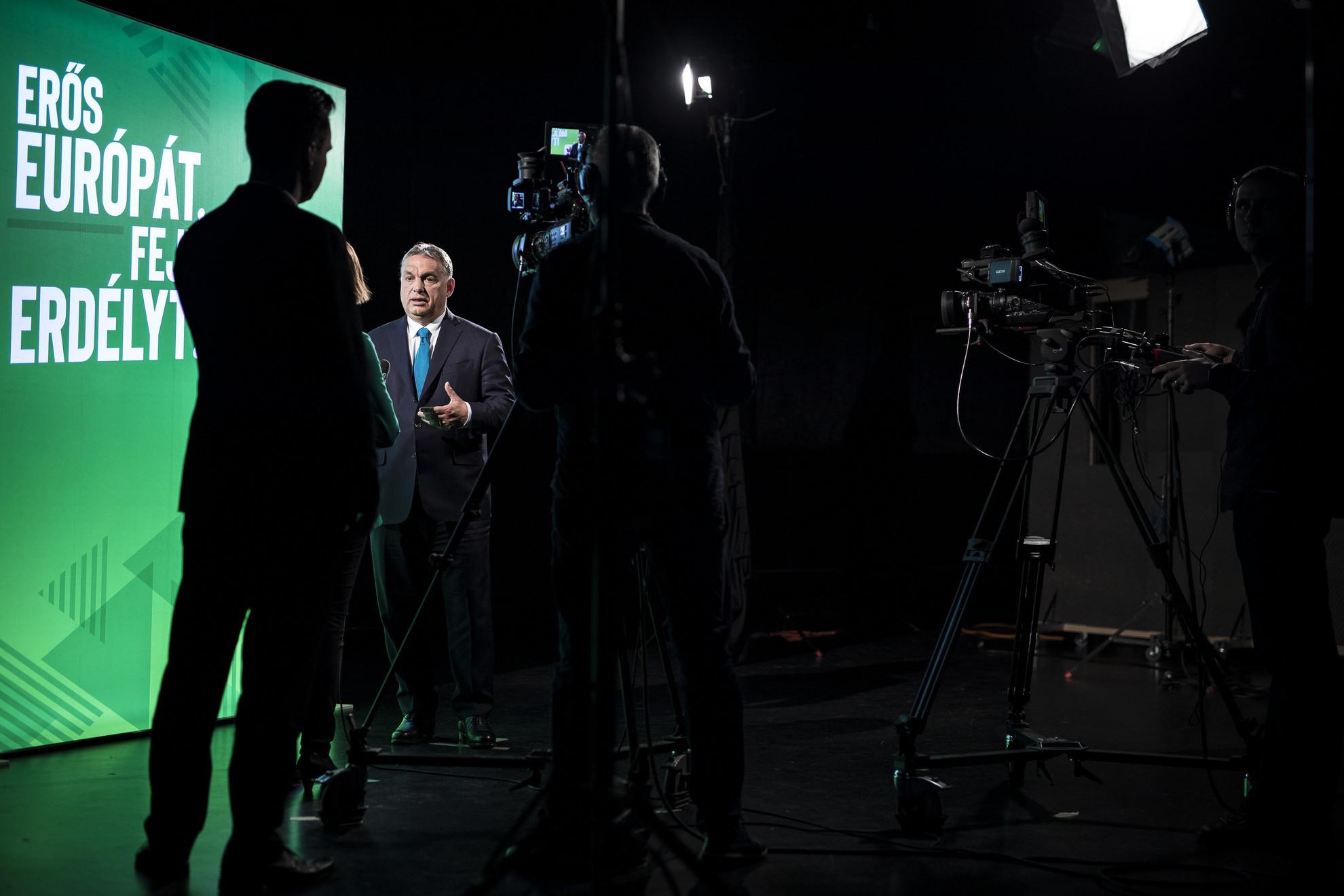 Orbán Viktor miniszterelnök interjút ad az Erdélyi Magyar Televíziónak Kolozsváron