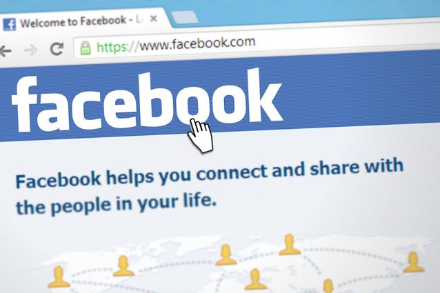 A Facebook álhírterjesztés és gyűlöletkeltés miatt törölt oldalakat